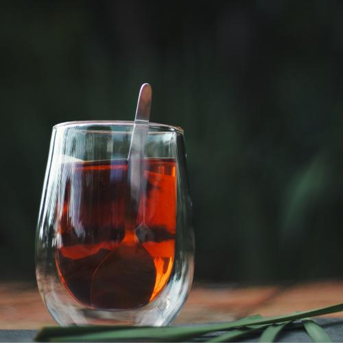 Az egyre népszerűbb rooibos tea - mit kell tudni a vörös teáról